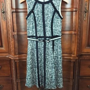 Versona dress, size 2 Navy blue and off white